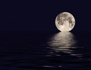 beautiful-full-moon-moon-night-ocean-reflection-Favim.com-42317-300x232.jpg